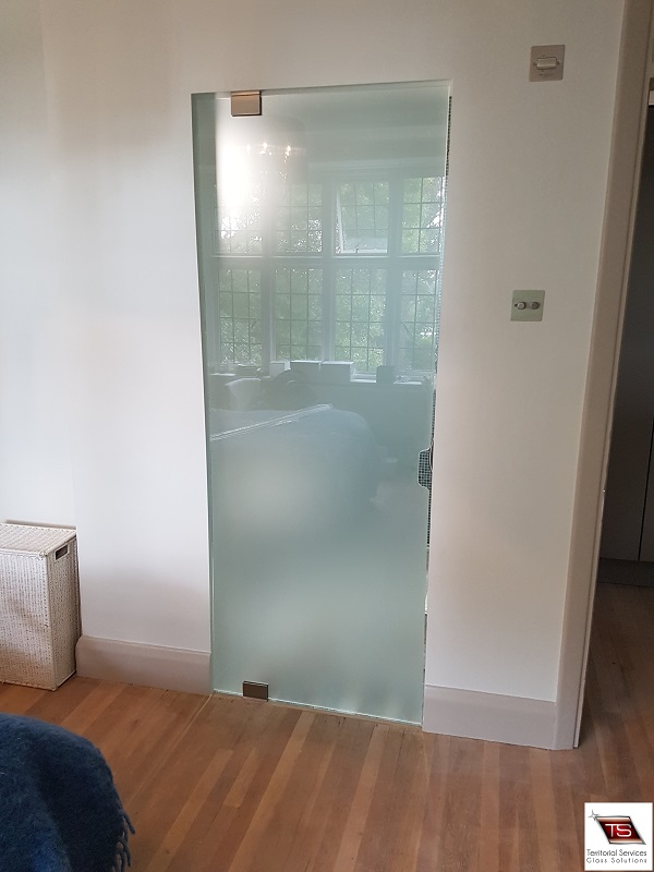 Frameless glass doors our fast and efficient bespoke glass doors instalation service is available for clients in south west london croydon balham wandsworth clapham planetlyrics Choice Image